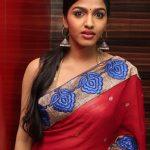 Tamil Kama Stories - Aasaikku Paduthaval 2