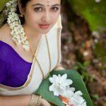 Tamil Sex Stories - Chitra Akkavin Sivantha Pundai
