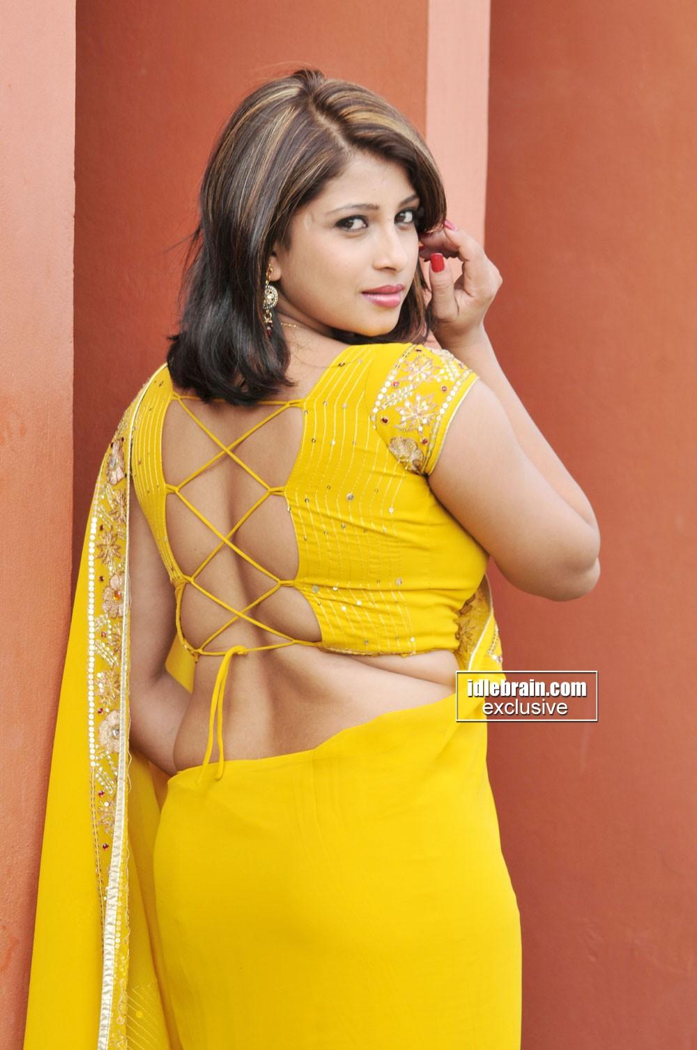 Tamil kundy